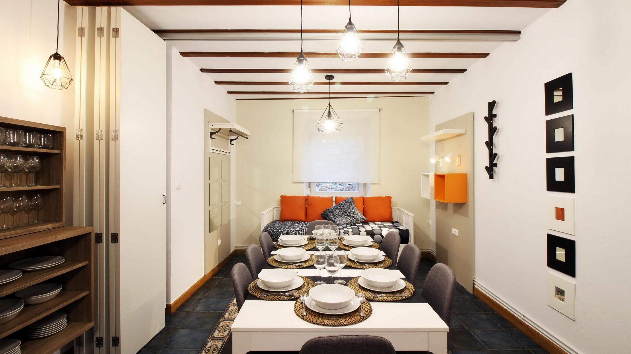 Salón-Comedor – Casa Rural La Cova